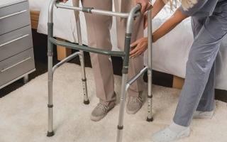 Ходьба после инсульта: как восстановить