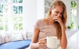 Подташнивает по утрам: почему возникают приступы тошноты