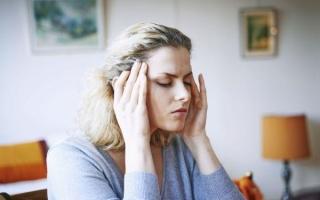 Что такое мигрень с аурой: как избежать приступа
