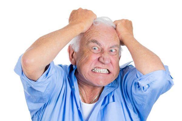 раздраженный старик