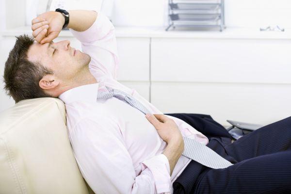 уставший человек