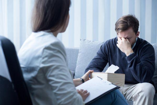 психотерапевт и пациент