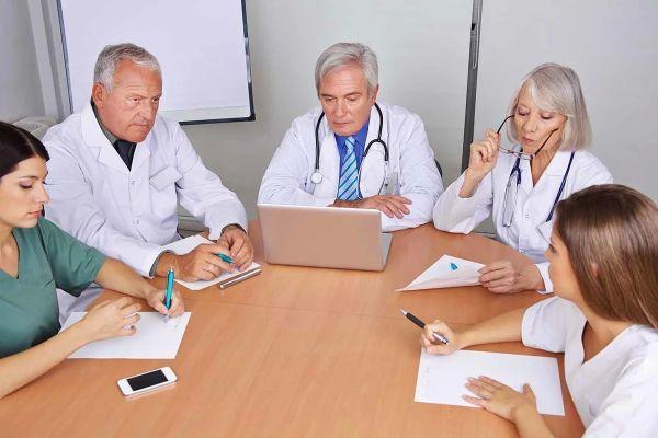 совещание медиков