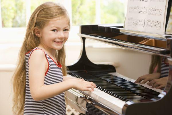 девочка с пианино